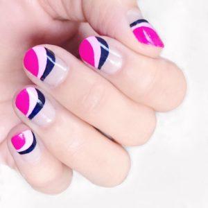 To Color Blocking στα νύχια δεν θα φύγει ποτέ από τη μόδα
