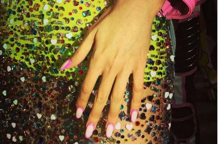 νύχια με σχέδιο orbit - Oh My Beauty