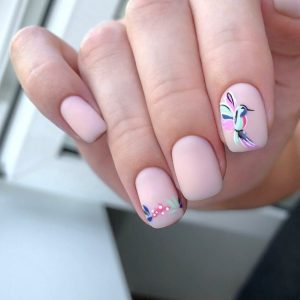 Αυτά τα nail art θα σε κάνουν να δεις τα ροζ νύχια με άλλο μάτι