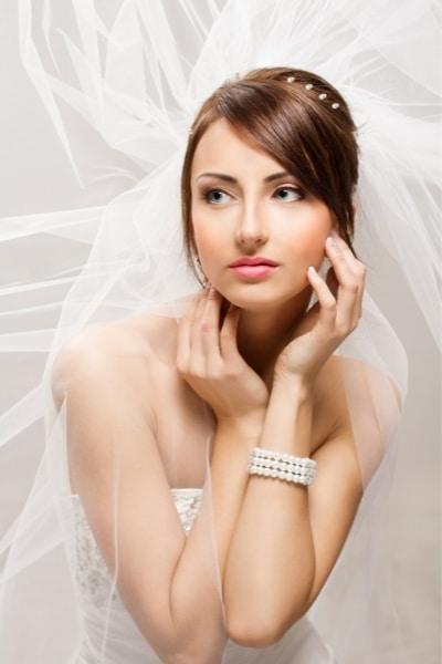 Νεανικό μακιγιάζ για νύφη